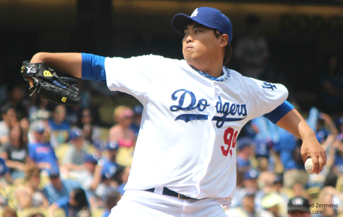L.A. Dodgers pitcher Hyun-Jin Ryu, pictured, helped lead the baseball team to a 6-4 victory against the St. Louis Cardinals Wednesday, during game 5 of the National League Championship Series. (EGP photo by Fred Zermeno)