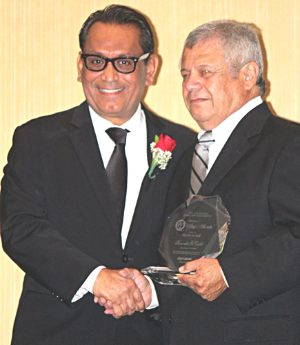 Los Angeles Councilman Gilbert Cedillo, left, was awarded the Man of the Year award by presenter Frank Villalobos, right.(EGP photo by Fred Zermeno)