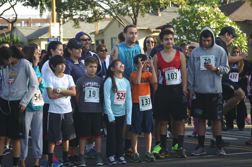 Runners of all ages ready for the 5K Turkey Trot in Commerce. EGP photo by Jacqueline García