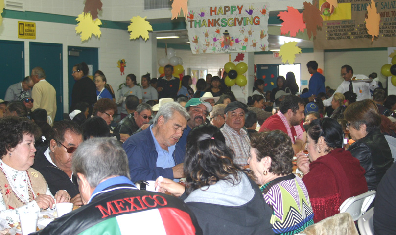 Over 1,000 people enjoyed the Thanksgiving meal at the senior center in Ruben Salazar Park. EGP photo by Jacqueline García