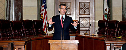 Mayor Eric Garcetti addresses the media and public regarding his vision of promoting the city through art and landmarks as the city searches for a new Cultural Affairs General Manager. (EGP photo by Fred Zermeno)