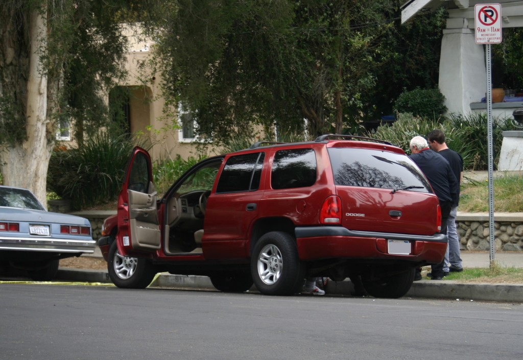The driver, an 87 year-old man, stayed on the scene for the investigation. EGP photo by Jacqueline García.