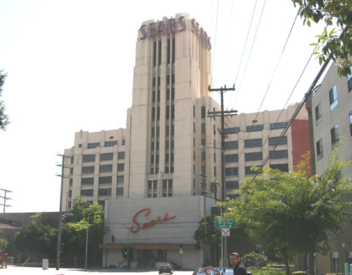 The Sears Tower, was built in 1926 and is located on the corner of Olympic and Soto in Boyle Heights.  (EGP photo by Jacqueline García)