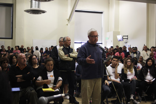 Residents question candidates running for Los Angeles city council during a forum at Boyle Heights City Hall.  (EGP photo by Nancy Martinez)