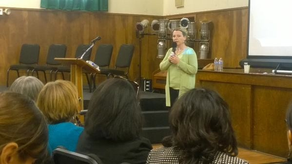 DTSC Director Barbara Lee apologizes to eastside residents Thursday at Resurrection Church in Boyle Heights. (EGP photo by Nancy Martinez)