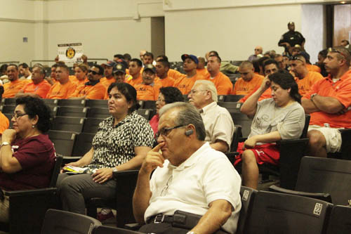 Metro held a meeting Saturday at Griffith Middle School in East Los Angeles to allow eastside residents a chance to provide testimony on the SR-710 North project.(EGP photo by Nancy Martinez)