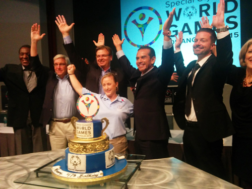 As thousands of athletes from all over the world began to arrive in Los Angeles for the 2015 Special Olympics World Games, the organization on Monday celebrated its 47th Anniversary with a cake and the singing of Happy Birthday. (EGP Photo by Jacqueline Garcia)