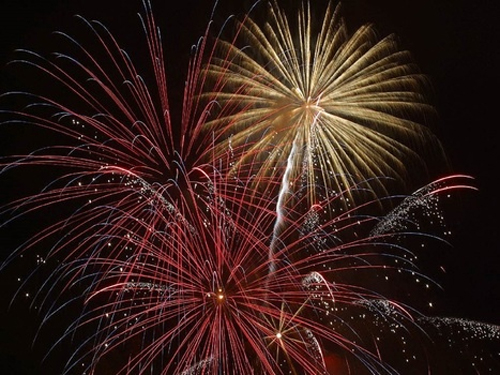 explosion-firework-new-year-s-eve-december-31-medium-1