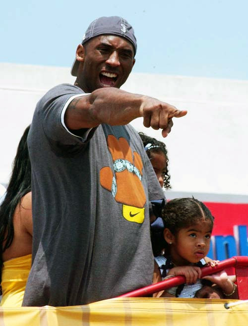 Kobe Bryant during the 2009 Lakers Championship Parade. (EGP photo archive)