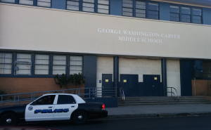 """School closed"" signs are placed at the entrance of every LAUSD school. (EGP photo by Jacqueline García)"