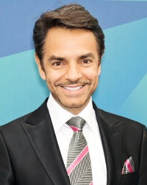 Eugenio Derbez recibe estrella en el Paseo de la Fama en Hollywood.