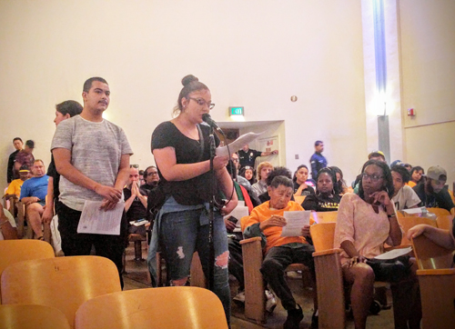 Members of the community spoke about the poor work LAPD is doing in the city. (EGP photo by Jacqueline Garcia)