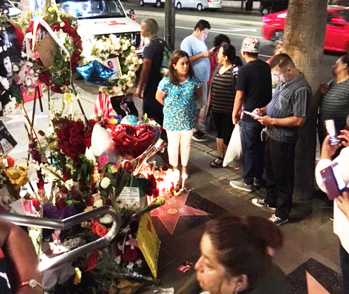Fans on Tuesday continued to gather at Mexican singer songwriter Juan Gabriel's star on the Hollywood Walk of Fame. (EGP photo by Mike Alvarez)