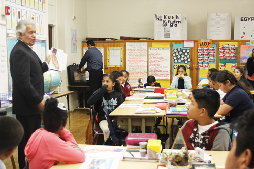 City officials visit students at Vernon Elementary School Monday. (EGP photo by Nancy Martinez)